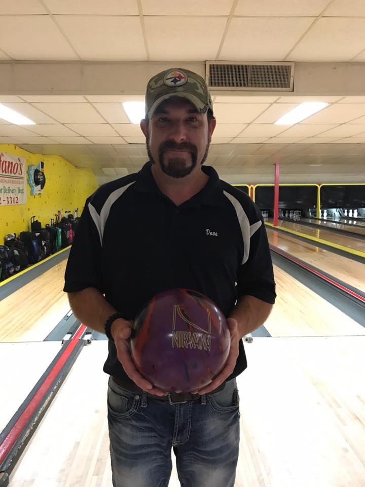 Dave Westlake bowls 300 game at T-Byrd Lanes